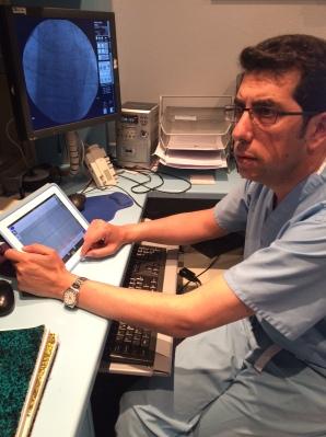 El Dr. Fernández Portales trabaja en la Unidad de Cardiología Intervencionista del Hospital San Pedro de Alcántara de Cáceres.