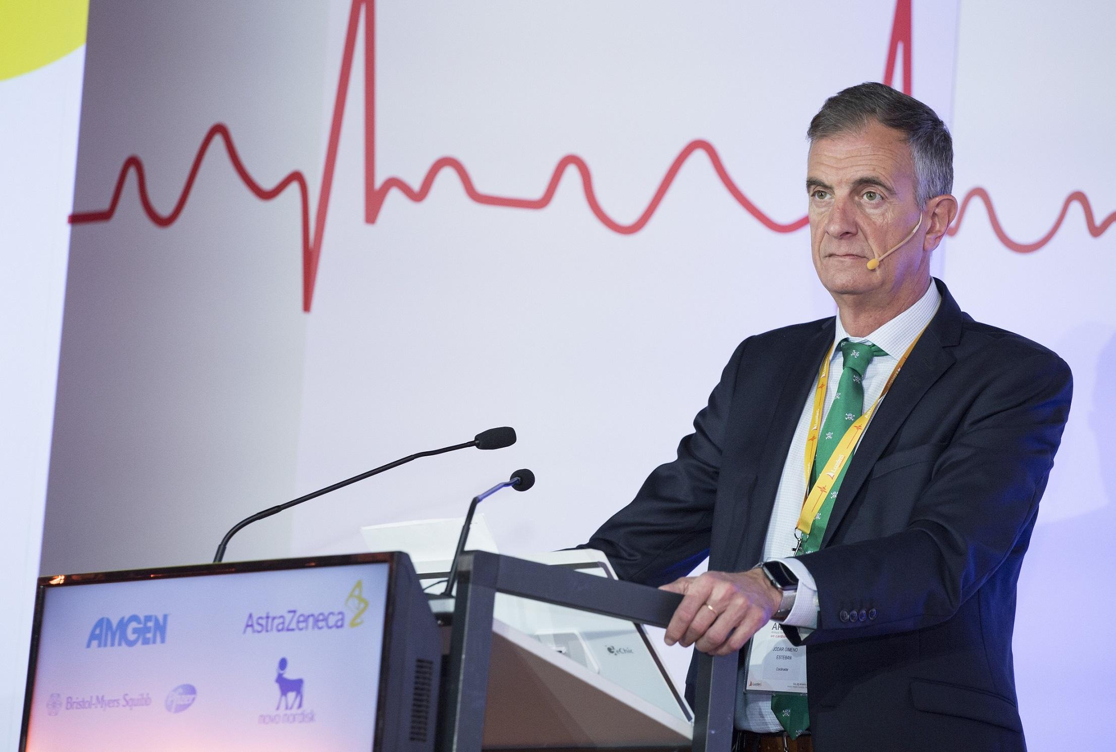 Dr. Esteban Jódar, durante la I Edición de la Revisión Anual de los Congresos de Riesgo Cardiovascular.